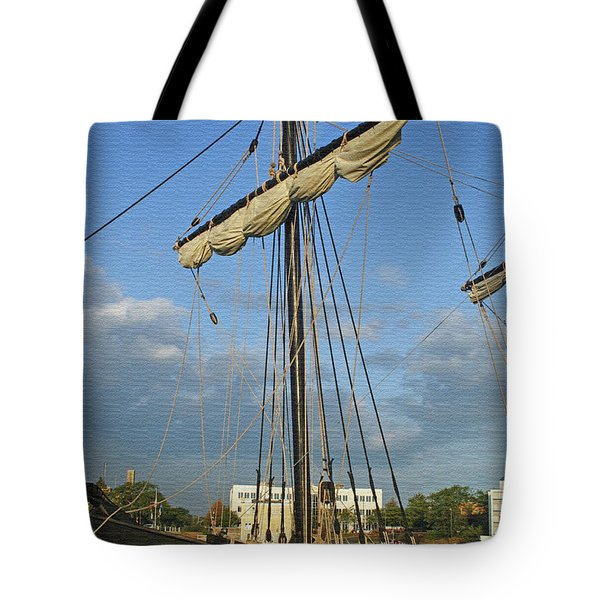 The Pinta Tote Bag by Kay Novy