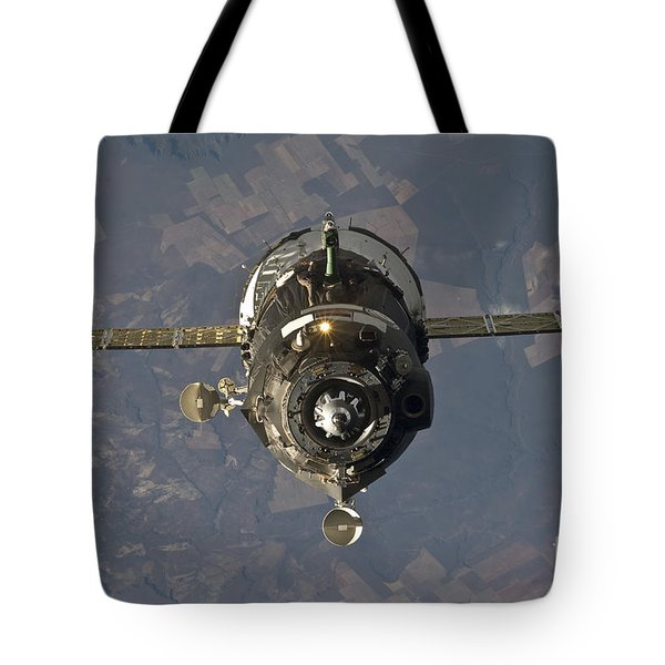 The Soyuz Tma-19 Spacecraft Tote Bag by Stocktrek Images