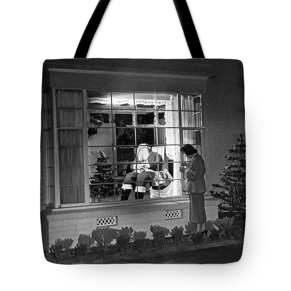 This Beverly Hills Resident Is Putting The Finishing Touches On Tote Bag by Underwood Archives