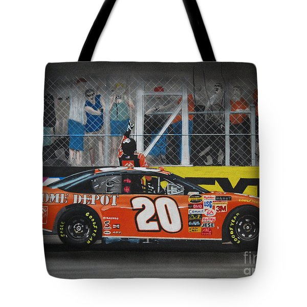 Tony Stewart Climbs For The Checkered Flag Tote Bag by Paul Kuras