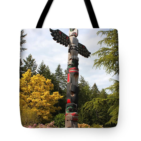 Totem Pole  Tote Bag by Carol Groenen