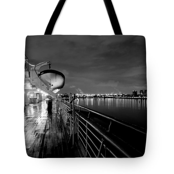 Tribute To Queen Mary Tote Bag by Heidi Smith