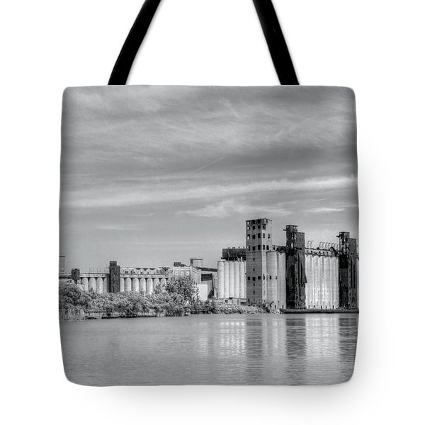 Urban Scene Tote Bag by Kathleen Struckle
