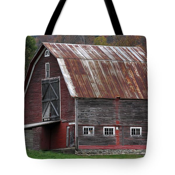 Vermont Barn Art Tote Bag by Juergen Roth