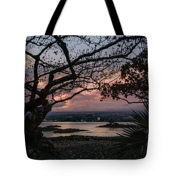 Volcanic Sunset On Hilo Bay - Big Island Tote Bag by Daniel Hagerman