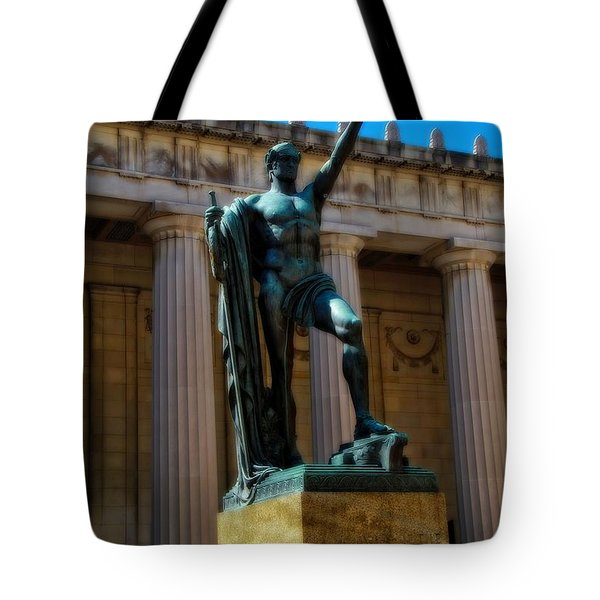 War Memorial Statue Youth In Nashville Tote Bag by Dan Sproul