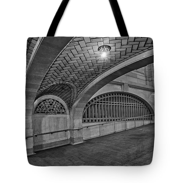 Whispering Gallery Bw Tote Bag by Susan Candelario
