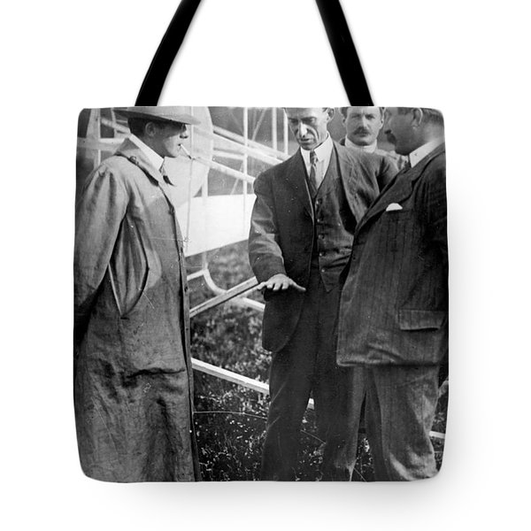 Tote Bag featuring the photograph Wilbur Wright, 1908 by Science Source