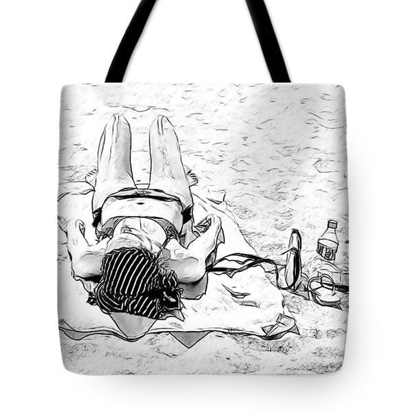 Woman On Beach Tote Bag by Les Palenik