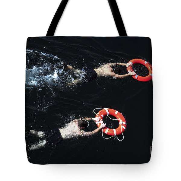 Search And Rescue Swimmers Tote Bag by Stocktrek Images