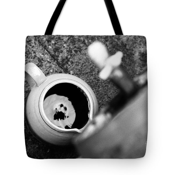 Wine dripping Tote Bag by Gaspar Avila