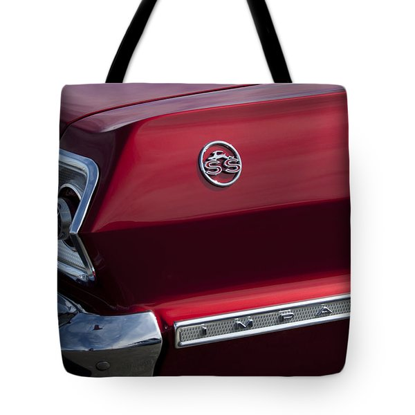 1963 Chevrolet Impala Ss Taillight Tote Bag by Jill Reger