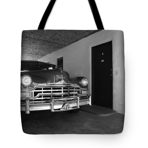 Route 66 Classic Car Tote Bag by Frank Romeo