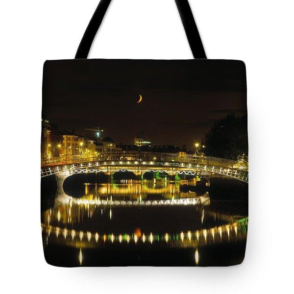 Hapenny Bridge, River Liffey, Dublin Tote Bag by The Irish Image Collection