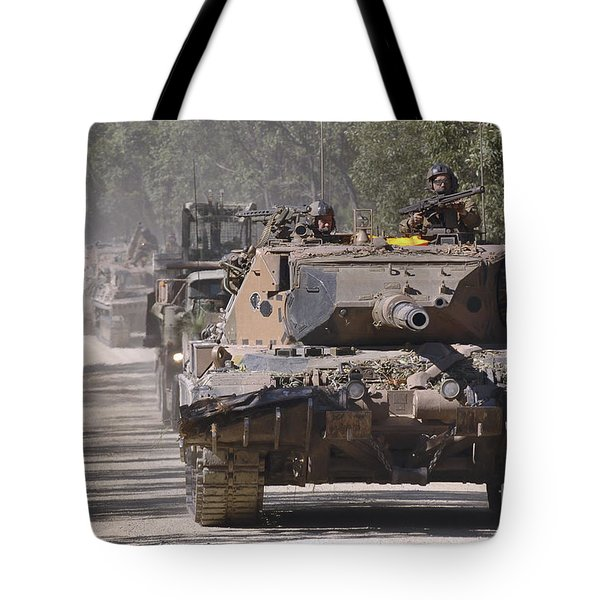 A German Designed Leopard As1 Gun Tank Tote Bag by Stocktrek Images