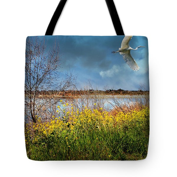 A Moment In Time In The Journey Of The Great White Egret . 7d12643 Tote Bag by Wingsdomain Art and Photography
