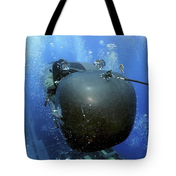 A Seal Delivery Vehicle Team Member Tote Bag by Stocktrek Images