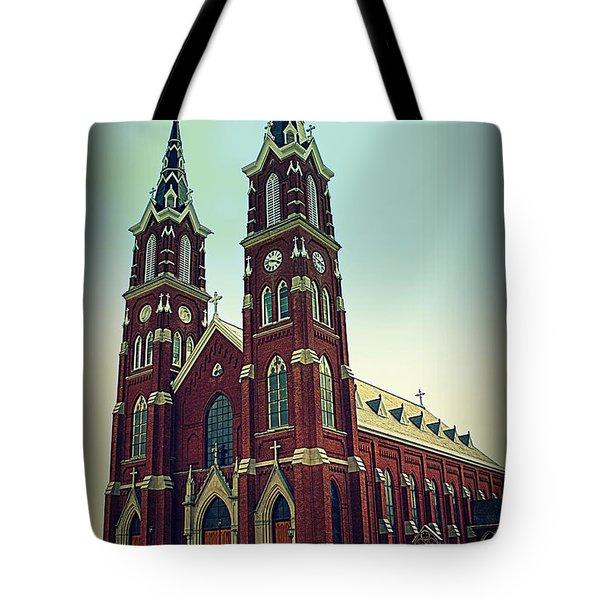 Basilica Of St.francis Xavier In Dyersville Iowa Tote Bag by Susanne Van Hulst