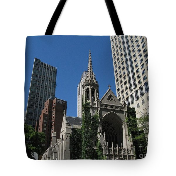Chicago Skyline Tote Bag by Arlene Carmel