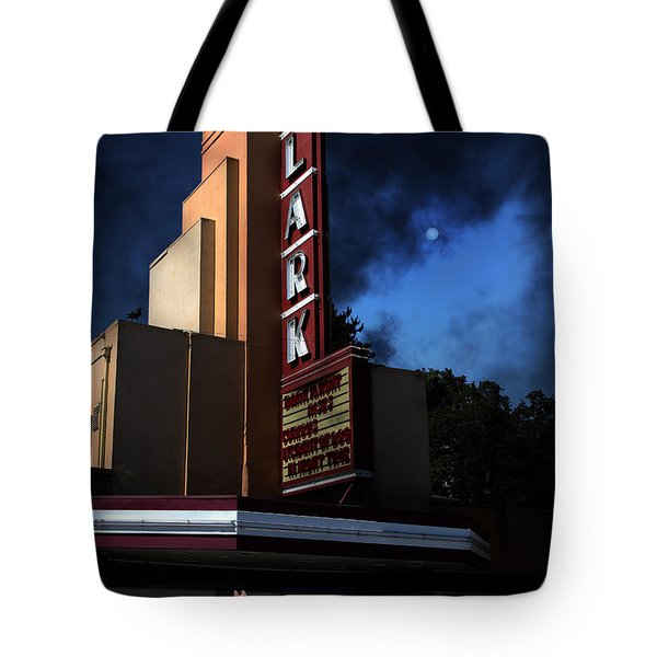 Creature Feature At The Lark - Larkspur California - 5D18484 Tote Bag by Wingsdomain Art and Photography