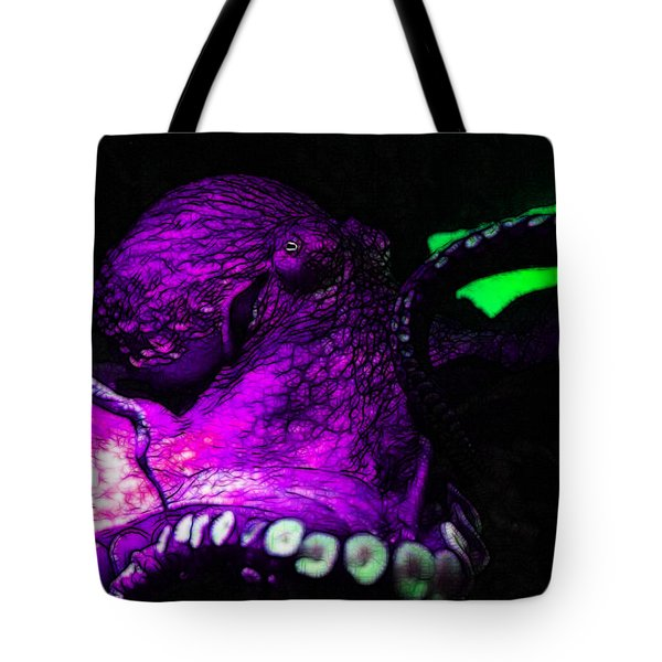 Creatures of The Deep - The Octopus - v6 - Violet Tote Bag by Wingsdomain Art and Photography