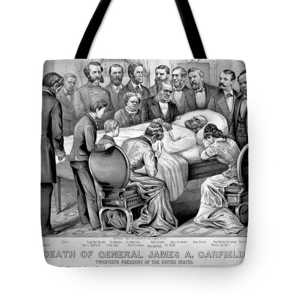 Death Of Garfield, 1881 Tote Bag by Photo Researchers