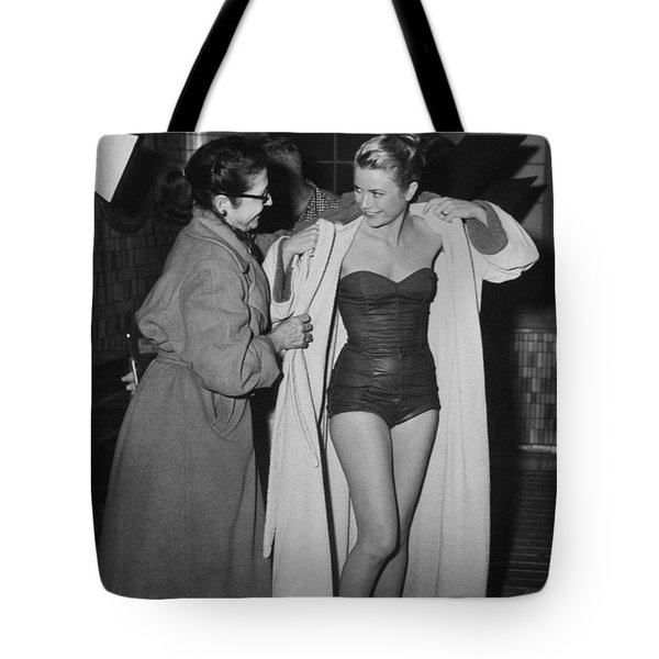 Grace Kelly  Tote Bag by Photo Researchers