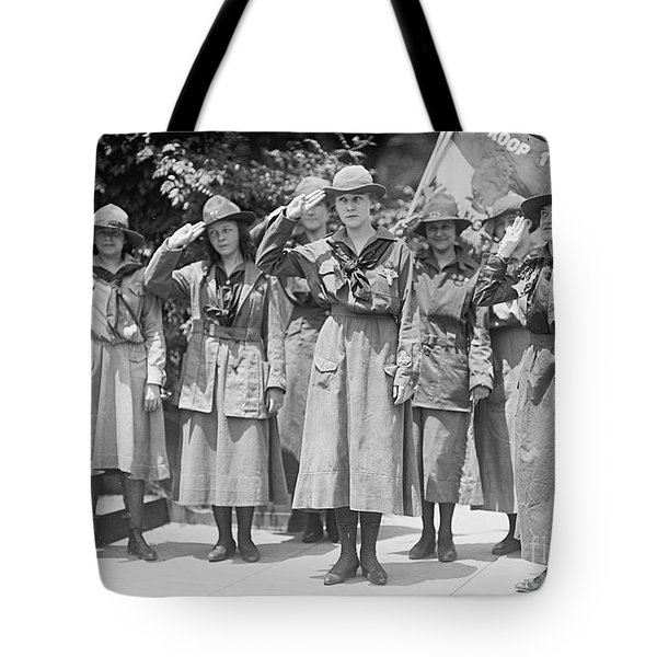 Juliette Daisy Low, Founder Of The Girl Tote Bag by Photo Researchers