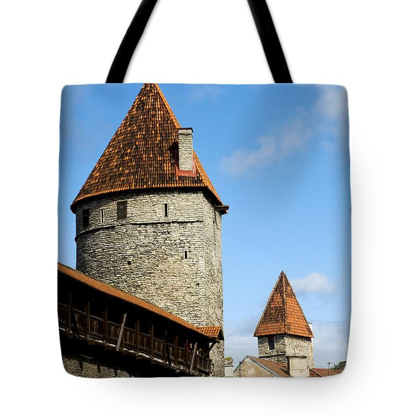 Kuldjalg And Nunnadetangune Tote Bag by Fabrizio Troiani