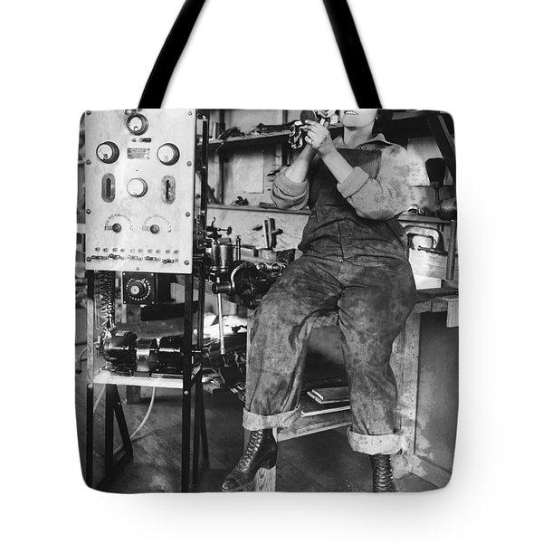 Mary Loomis, Radio School Operator Tote Bag by Science Source