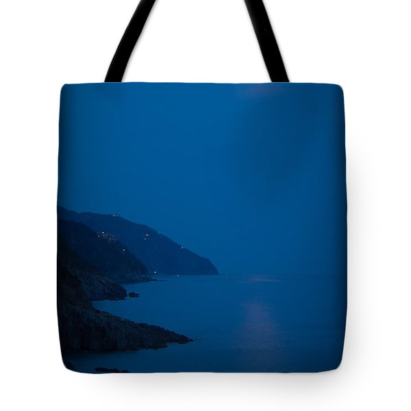 Moonrise Over Vernazza Tote Bag by Doug Sturgess