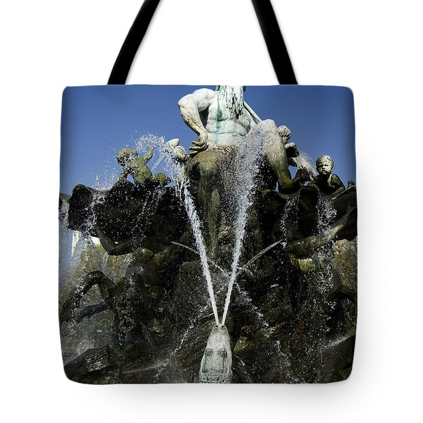 Neptune Fountain Tote Bag by RicardMN Photography