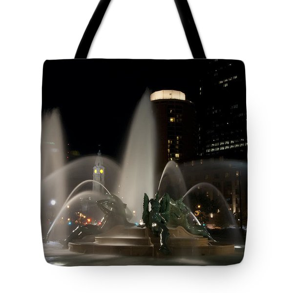 Night View Of Swann Fountain Tote Bag by Bill Cannon
