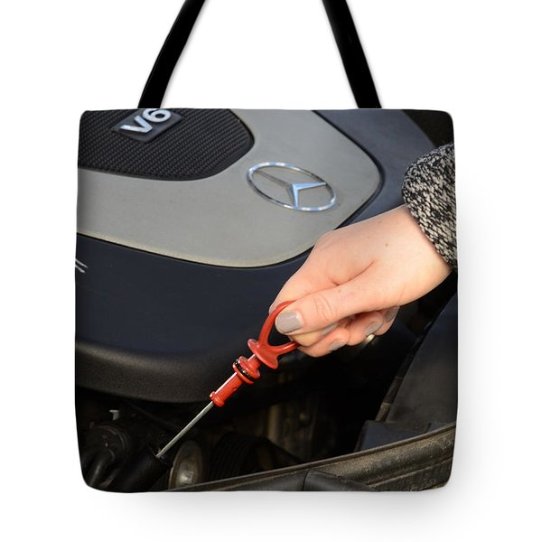 Oil Check Tote Bag by Photo Researchers