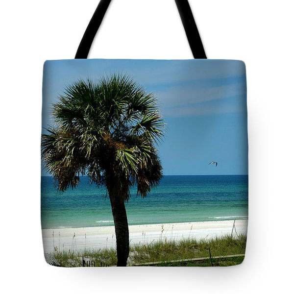 Palmetto and the Beach Tote Bag by Susanne Van Hulst