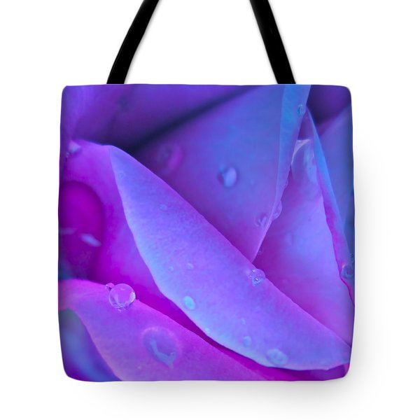 Profile Of A Rose Tote Bag by Gwyn Newcombe