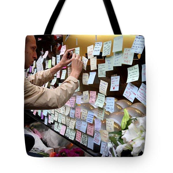 RIP Steve Jobs . October 5 2011 . San Francisco Apple Store Memorial 7DIMG8576 Tote Bag by Wingsdomain Art and Photography