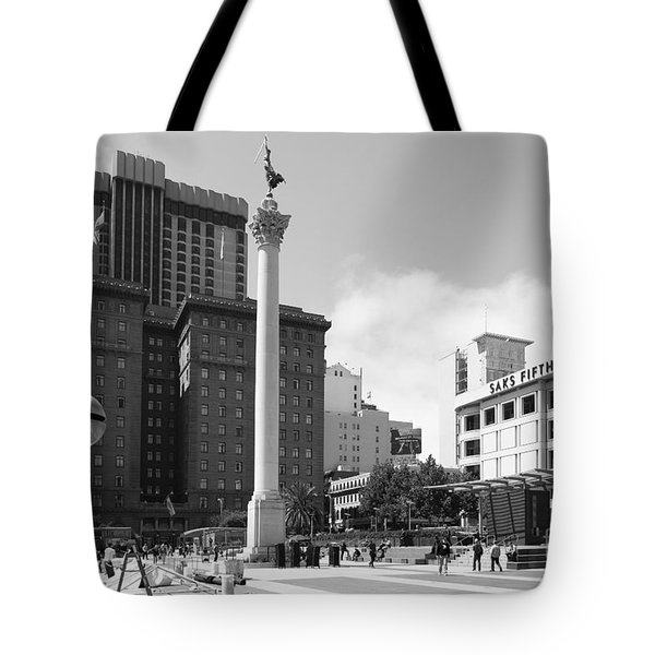 San Francisco - Union Square - 5D17933 - black and white Tote Bag by Wingsdomain Art and Photography