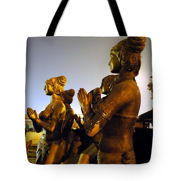 Sculpture Of Women Tote Bag by Sumit Mehndiratta