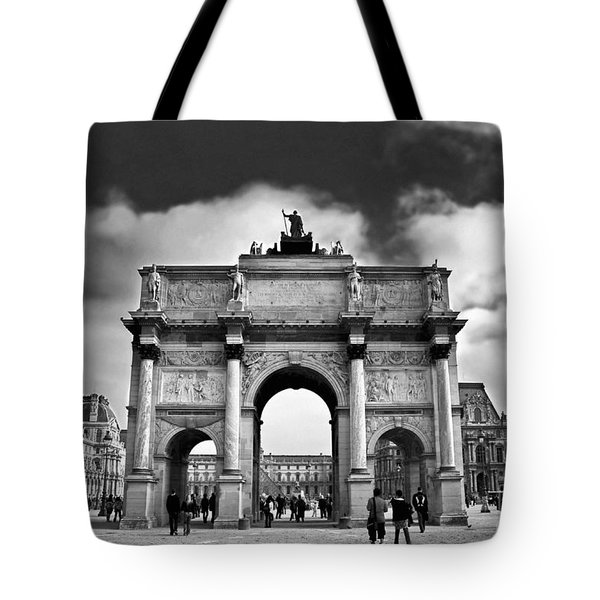 Sightseeing At Louvre Tote Bag by Elena Elisseeva