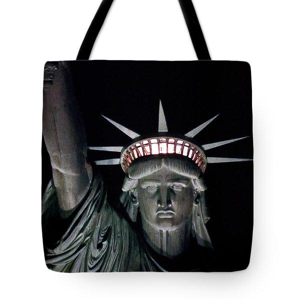 Statue Of Liberty Tote Bag by David Pringle