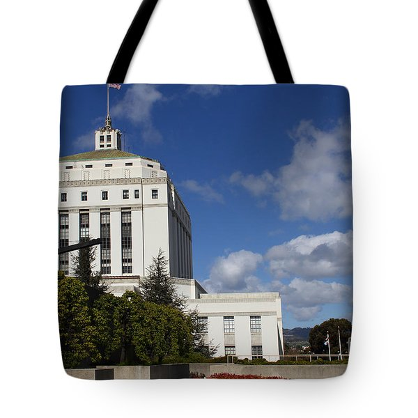 Supreme Court of California . County of Alameda . Oakland California View From Oakland Museum . 7D13 Tote Bag by Wingsdomain Art and Photography