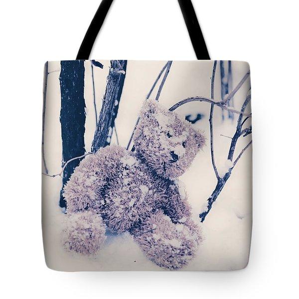 teddy in snow Tote Bag by Joana Kruse