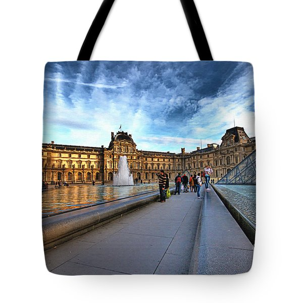The Louvre Paris Tote Bag by Charuhas Images