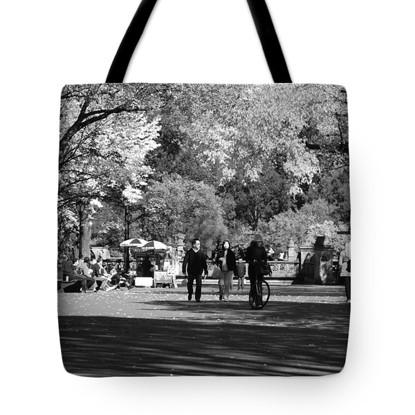 THE MALL at CENTRAL PARK in BLACK AND WHITE Tote Bag by ROB HANS
