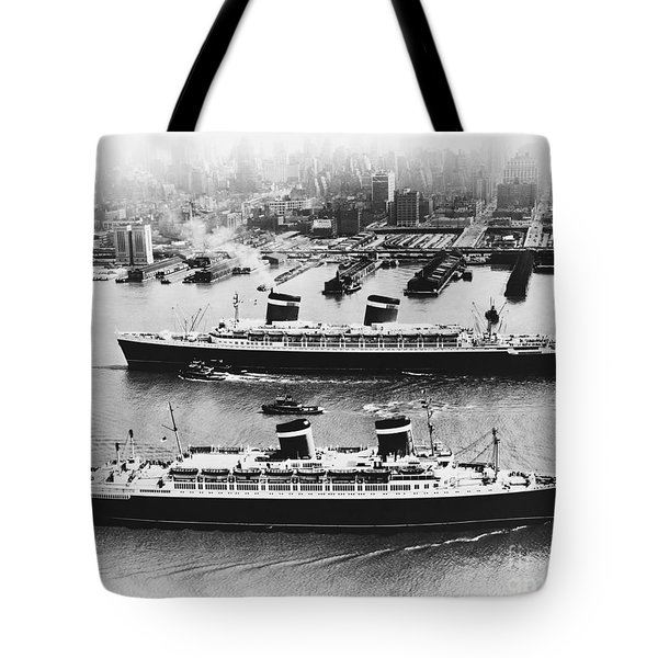 United States Lines Ships Tote Bag by Photo Researchers