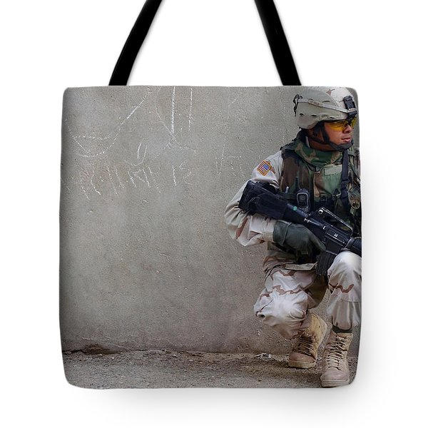 U.s. Army Soldier Armed With A 5.56mm Tote Bag by Stocktrek Images