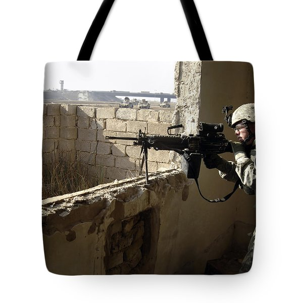 U.s. Army Soldier Searching Tote Bag by Stocktrek Images