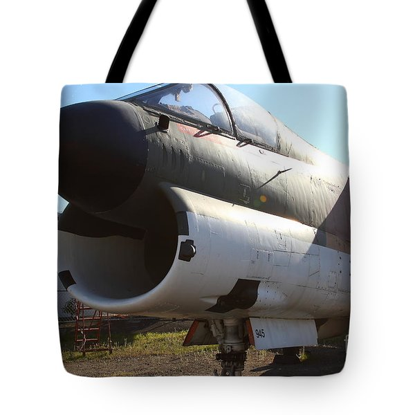 US Fighter Jet Plane . 7D11240 Tote Bag by Wingsdomain Art and Photography