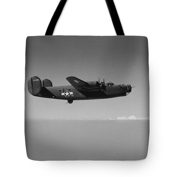 Wwii Us Aircraft In Flight Tote Bag by American School